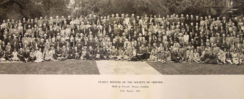 Very large group photo of Quakers at Yearly Meeting