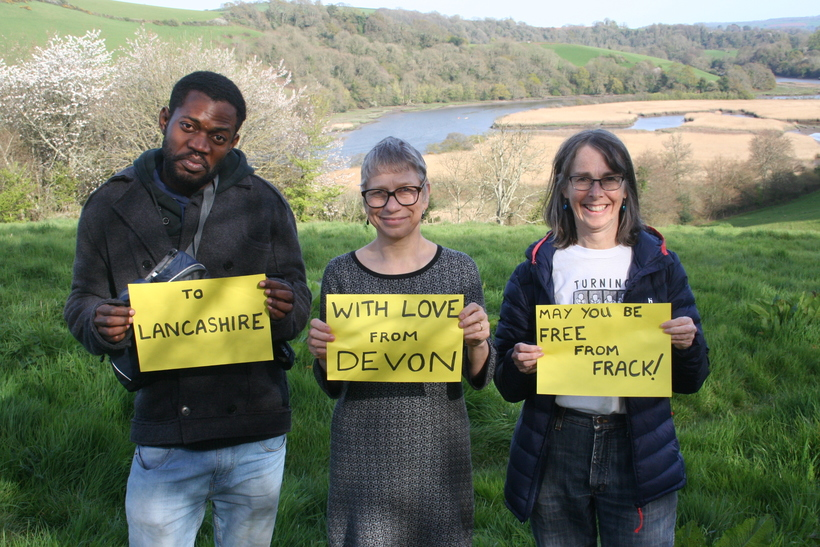 Quakers in Totnes send a message of support to Friends resisting fracking in Lancashire. Photo: Amanda Woolley