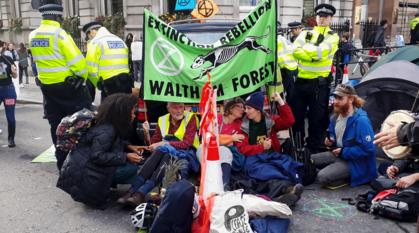 extinction rebellion protesters and police